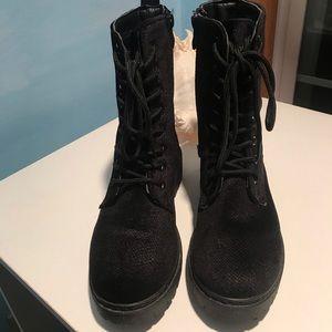Wanted Patrol Velvet Tie Up Black Boots